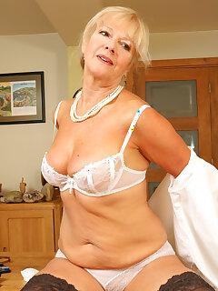 Mature Undressing Pictures