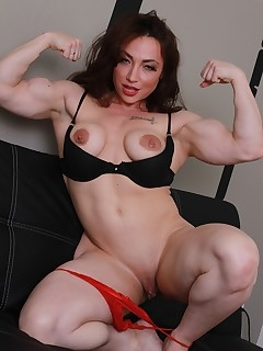 Mature Muscle Pictures