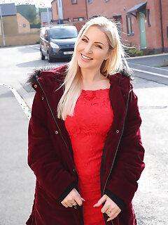 Mature Blonde Pictures